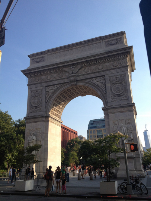 nyc-washington-square-park-monument