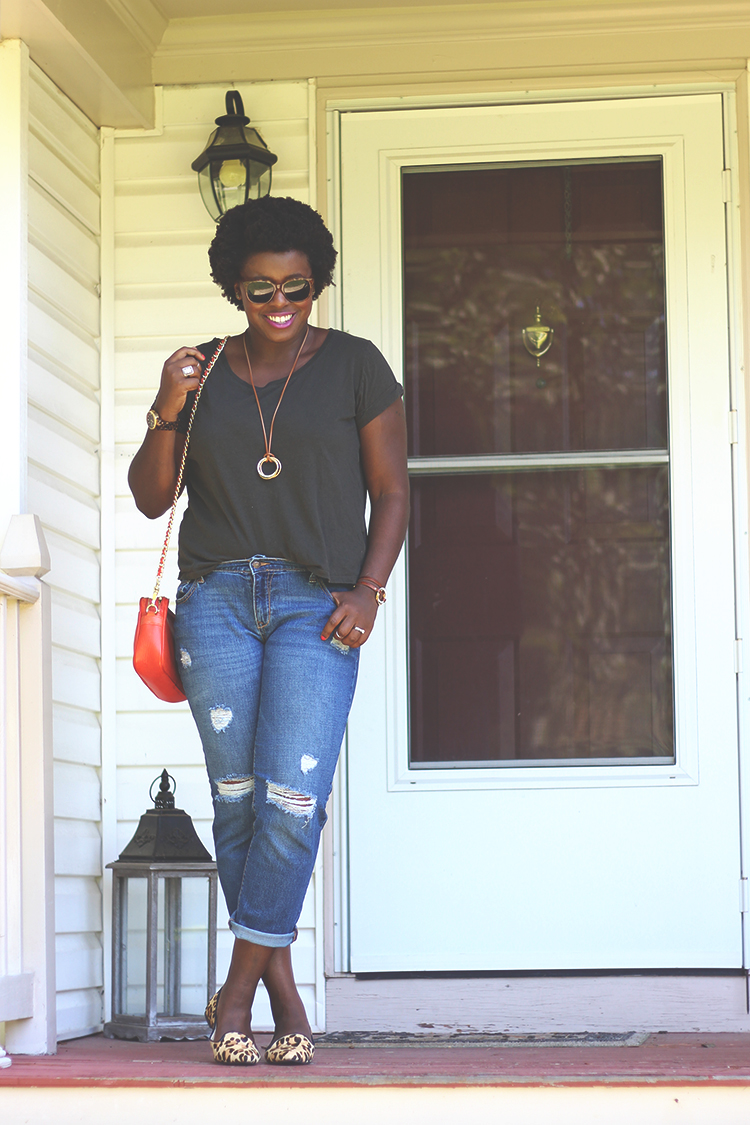 basic-tee-boyfriend-jeans-3