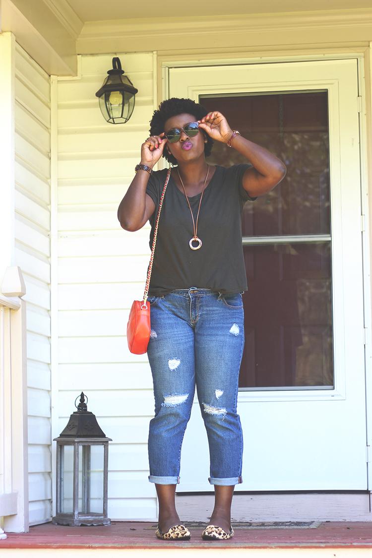 basic-tee-boyfriend-jeans-5