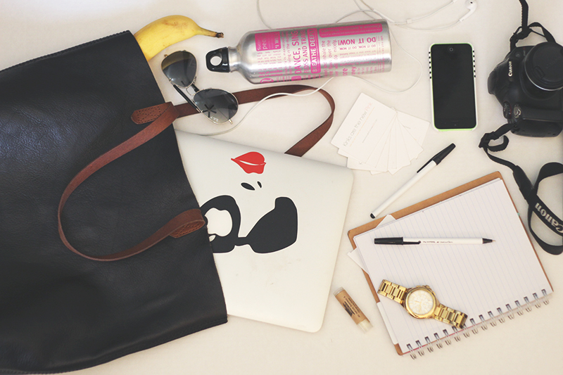 whats-in-my-bag-blogger-conference-3