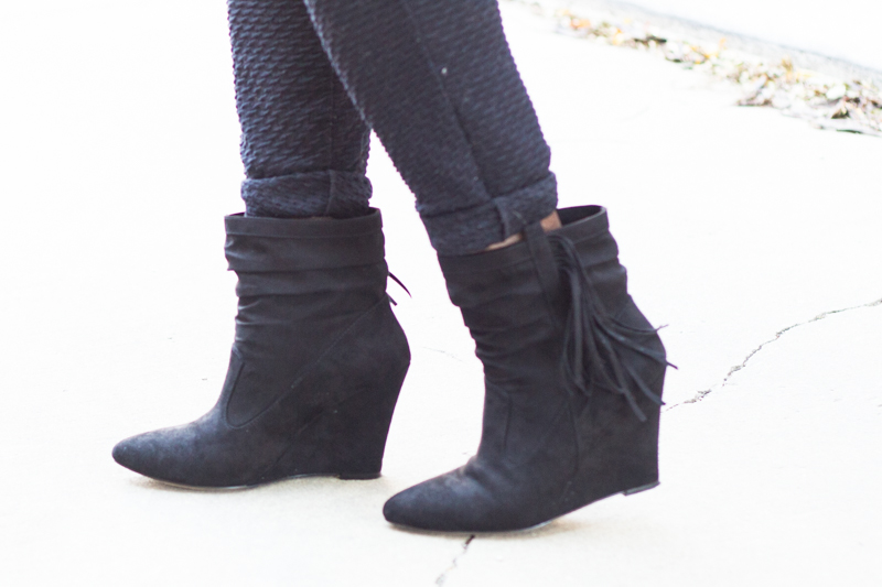 chunky-knit-fringe-booties-joggers-7